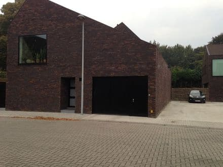 Parking space or garage for rent Sint Michiels