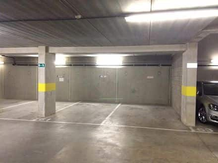 Parking ou garage<span>10</span>m² à louer