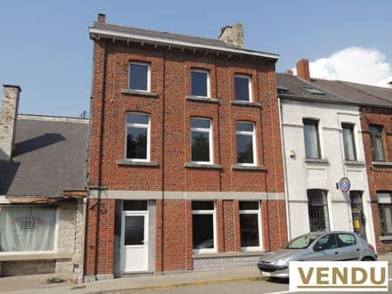 House<span>146</span>m² for rent Chimay