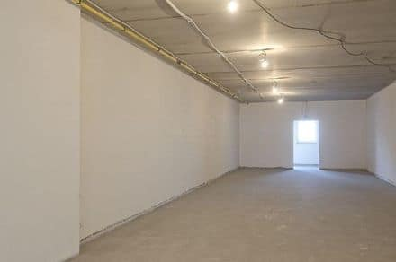 Shop<span>153</span>m² for rent
