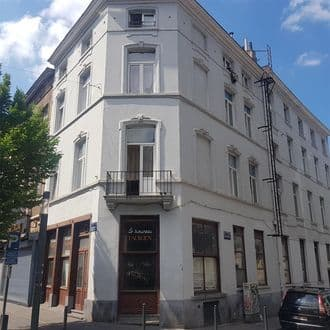 Investment property<span>500</span>m² for rent Schaarbeek