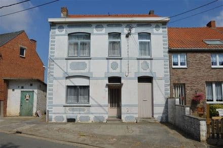 House<span>120</span>m² for rent Racour
