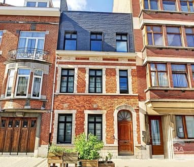 House<span>330</span>m² for rent