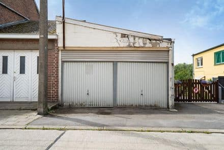 Parking space or garage<span>40</span>m² for rent Estinnes Au Mont