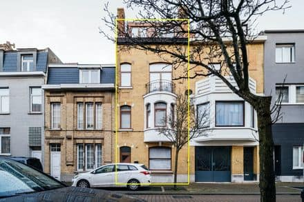 House<span>235</span>m² for rent Ostend