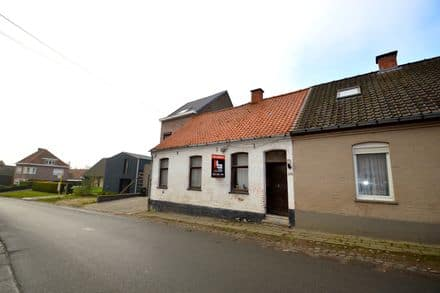 House<span>100</span>m² for rent Ronse