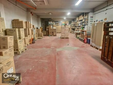 Warehouse<span>376</span>m² for rent