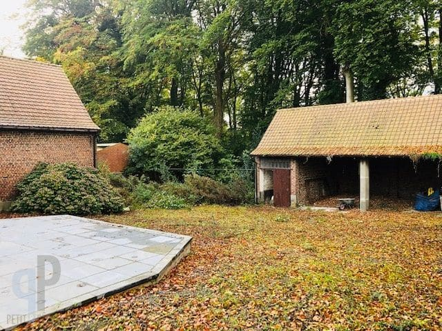 Farmhouse for sale in Brakel