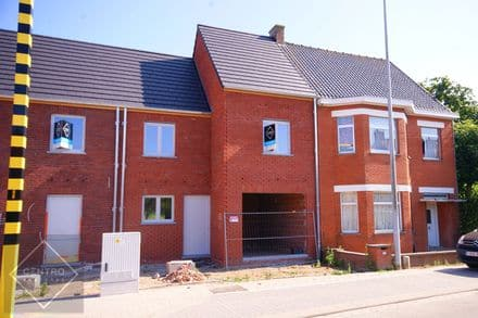 House<span>175</span>m² for rent
