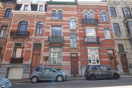 House<span>356</span>m² for rent