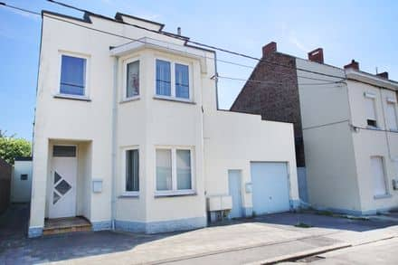 Special property<span>200</span>m² for rent