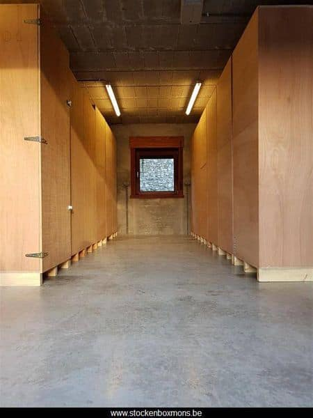 Parking space or garage for rent in Mons