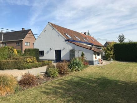 House<span>157</span>m² for rent Sint Pieters Leeuw