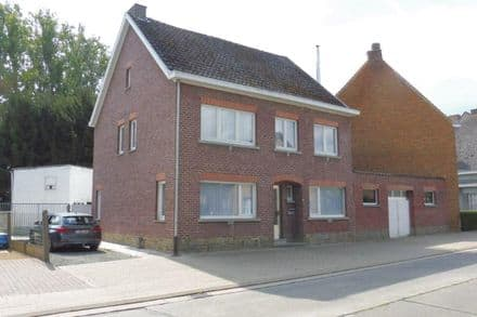 House<span>226</span>m² for rent