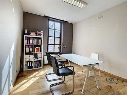 Investment property<span>188</span>m² for rent Huy