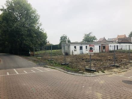 Building land<span>340</span>m² for rent