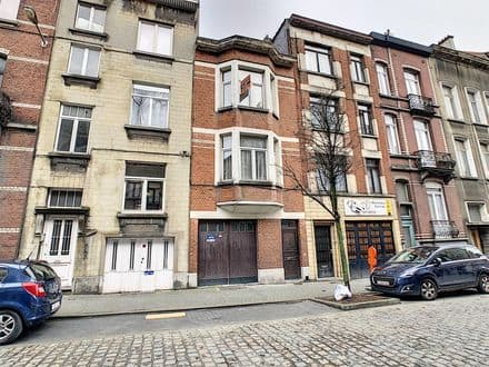 House<span>219</span>m² for rent