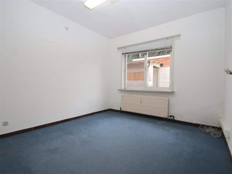 Office or business for rent in Zele