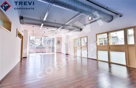 Office<span>90</span>m² for rent