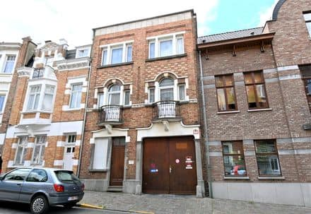 Investment property<span>360</span>m² for rent Schaarbeek