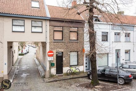 House<span>90</span>m² for rent Brugge