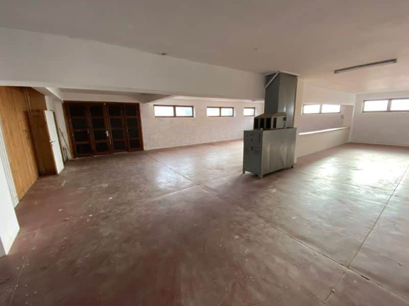Business for rent in Roosdaal