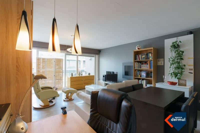 Studio flat for sale in Ostend