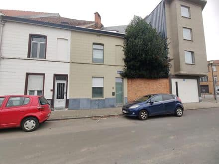 House<span>102</span>m² for rent
