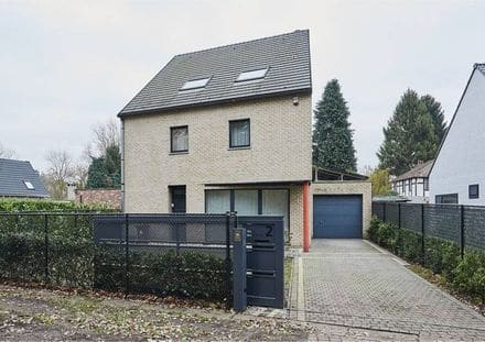 House<span>265</span>m² for rent