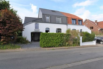 House<span>130</span>m² for rent Limal