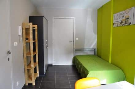 Student flat<span>18</span>m² for rent Sint Andries