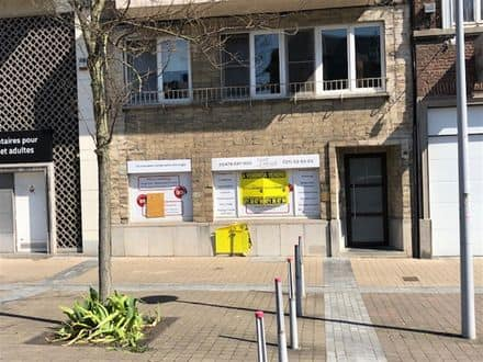 Office or business<span>135</span>m² for rent Charleroi