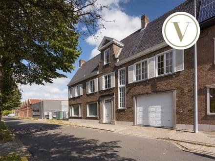 Mansion for rent Roeselare