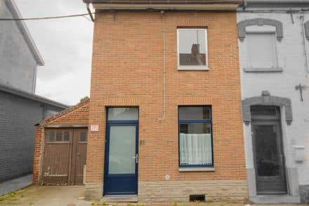 House<span>119</span>m² for rent Roux
