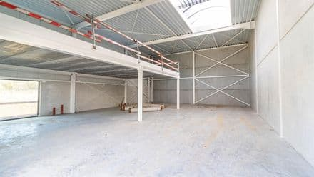 Office or business<span>408</span>m² for rent