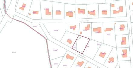 Land<span>1742</span>m² for rent