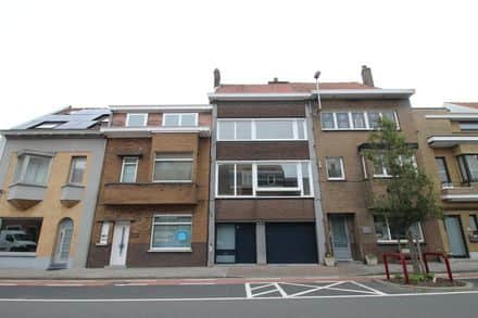 House<span>180</span>m² for rent Deinze