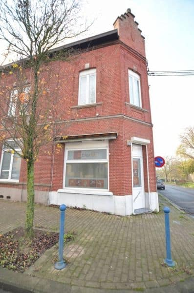 Business for rent in Roux