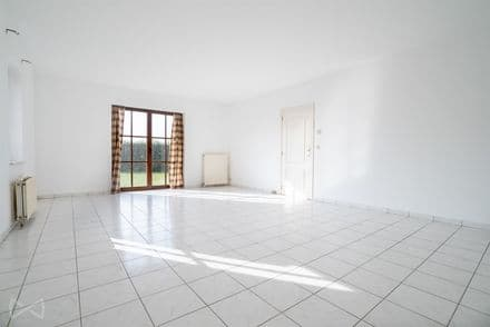 Apartment<span>76</span>m² for rent