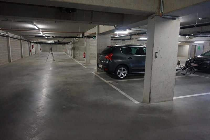 Parking ou garage à louer à Lokeren