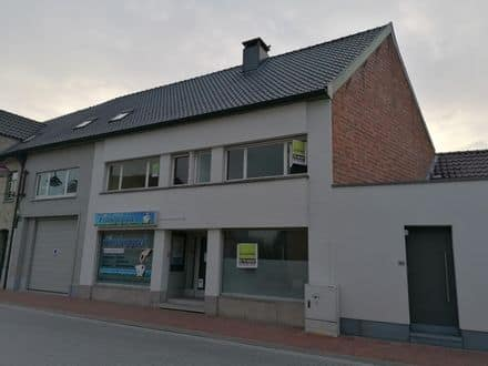 Business<span>251</span>m² for rent Nevele