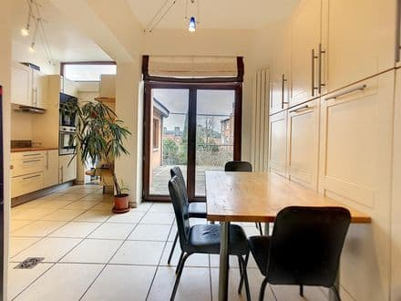 House<span>193</span>m² for rent Neder Over Heembeek