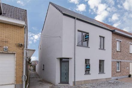 House<span>165</span>m² for rent