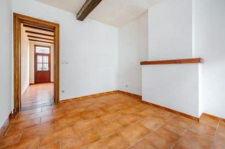 House<span>85</span>m² for rent