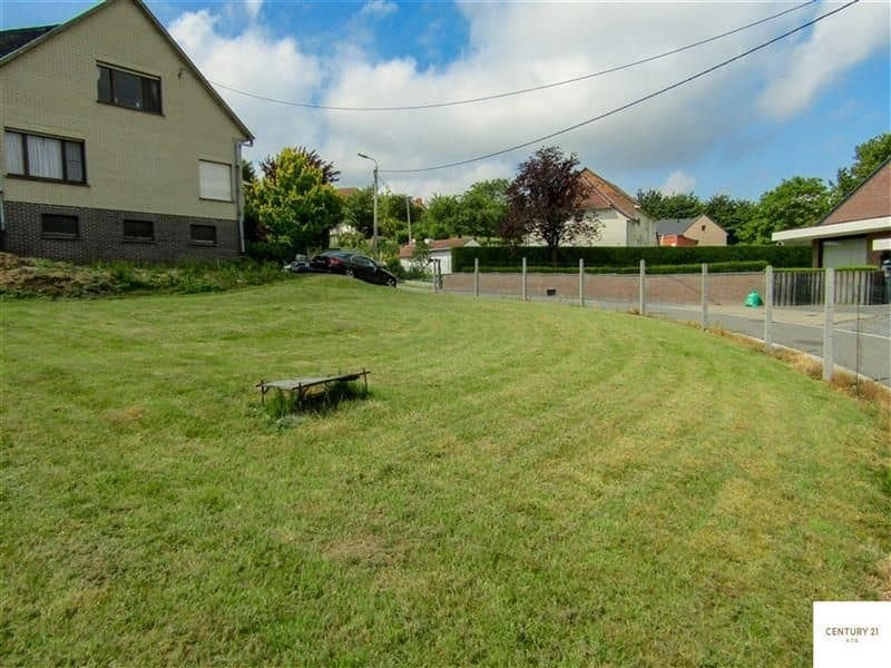 Land for sale in Roosdaal
