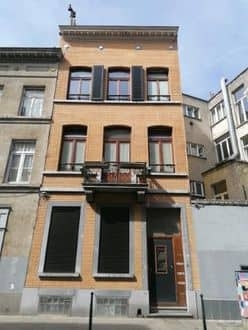 Investment property<span>200</span>m² for rent Brussels
