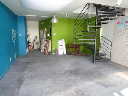 Business<span>150</span>m² for rent