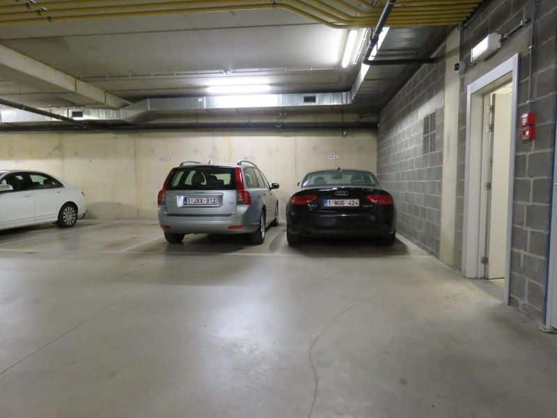 Parking space or garage for rent in Antwerp
