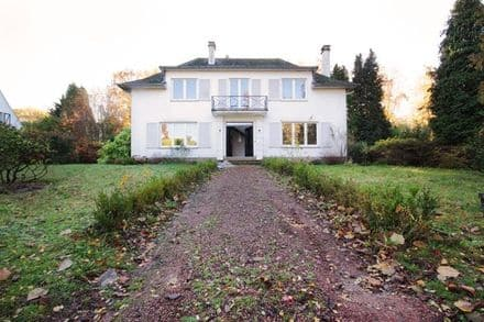 House<span>275</span>m² for rent