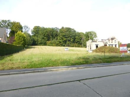 Land<span>3267</span>m² for rent